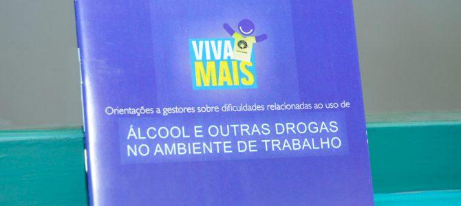 Programa Viva Mais do CECOM lança cartilha de apoio a gestores e dependentes químicos