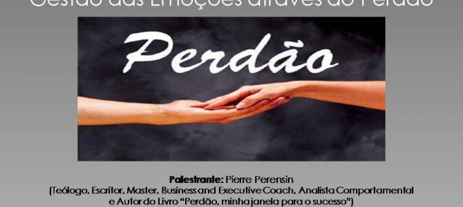 Pierre Perensin realiza palestra no Núcleo de Educação Permanente